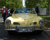 車フォルクスワーゲン カルマンギアー — ストック写真