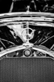 Mercedes-Benz symbol on the hood (Black and White) — Stock Photo