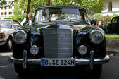 车梅赛德斯-奔驰 w180 — 图库照片