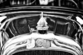 The emblem of Pontiac Eight (Black and White) — Stock Photo