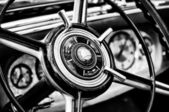 Steering wheel car Mercedes-Benz S close-up — Stock Photo
