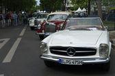 αυτοκίνητο mercedes benz 230 sl — 图库照片