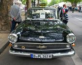 Cars Opel Kapitan (Taxi) in 1956 — 图库照片