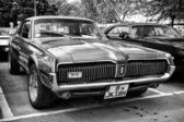 柏林 — — 5 月 11 日: 汽车汞美洲狮 (黑色和白色),26 oldt — 图库照片