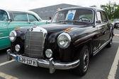 Auto Mercedes-Benz 220a Coupe (W180 ho) — Foto Stock