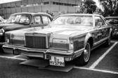 Car Lincoln Continental Mark V (black and white) — Stock Photo