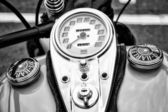 The dashboard and fuel tank cover motorcycle Harley-Davidson (Black and White) — Stock Photo