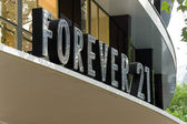 Forever 21 is an American chain of clothing retailers — Stock Photo