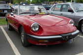 Le voiture de sport alfa romeo spider 2.0 — Photo