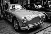 Un auto deportivo aston martin db mark iii — Foto de Stock