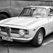 The two-door coupe Alfa Romeo GT 1300 Junior (black and white) — Stock Photo