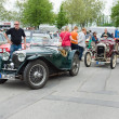 French retro car Amilcar (Ecurie SideCar) and English Retro cars Riley MPH 15-6 — Stock Photo