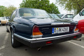 Luxury car Daimler Sovereign (XJ6 Series II), rear view — Foto Stock