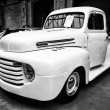Full-size pickup truck Ford F1 Pickup — Stock Photo #30992191