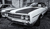 Car Ford Galaxie 500 (black and white) — Stockfoto