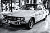Executive car Rover P6 3500 V8 (black and white), rear view — Stock Photo