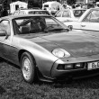 Sports car Porsche 928 (black and white) — Stock Photo