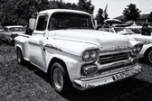 Classic pickup Chevrolet Apache 31 (black and white) — Stock Photo