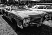 Full-size car Buick Le Sabre Custom 1967, Cabrio, (black and white) — Stock Photo