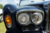 Headlamp luxury car Rolls-Royce Silver Shadow — Stock Photo