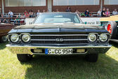 Car Chevrolet Impala SS (Super Sport) Hardtop Coupe — Stock Photo
