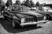 Mid-size car Pontiac Grand Am, black and white — Stock Photo