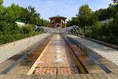 Molte delle fontane nel giardino marocchino. — Foto Stock