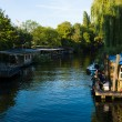 Youth cafe on the embankment Spree district Friedrichshain-Kreuzberg — Stock Photo