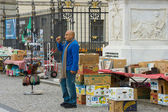 Street of old books for sale (flea market) in front of the Humboldt University on Unter den Linden — Stock Photo
