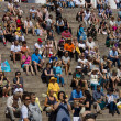 Spectators and guests sit on the stairs Helsinki Cathedral. Latin dance festival — Stock Photo