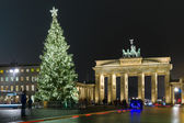Brandenburg Gate and the Christmas tree — Stock Photo
