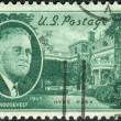 Postage stamp printed in the USA, shows a portrait of 32th President of the United States, Franklin Delano Roosevelt, Hyde Park Home — Stock Photo #37744949