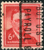 Postage stamp printed in the USA, a portrait of 26th President of the United States, a portrait of Theodore Roosevelt by Philip Alexius de Laszlo — Stock Photo