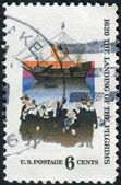 Postage stamp printed in USA, dedicated to the 350th anniversary Mayflower landing, shows Mayflower and Pilgrims — Stock Photo