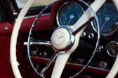Cab two-door roadster Mercedes-Benz 190SL — Stock Photo