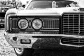 Headlamp a full-size car Ford LTD (Americas), black and white — Stock Photo