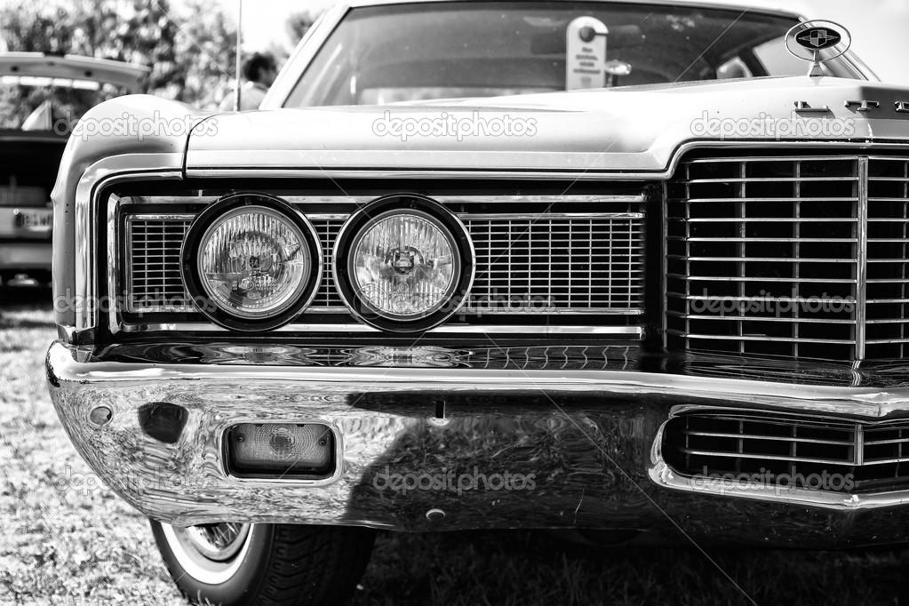 Черно белые фото автомобилей