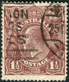 AUSTRALIA - CIRCA 1919: Postage stamp printed in Australia shows King of the United Kingdom and the British Dominions, and Emperor of India, George V, circa 1919 — Stock Photo