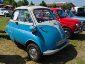 PAAREN IM GLIEN, GERMANY - MAY 19: Microcars BMW Isetta 300, The oldtimer show in MAFZ, May 19, 2013 in Paaren im Glien, Germany — Stock Photo