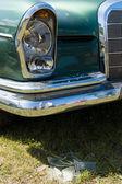 PAAREN IM GLIEN, GERMANY - MAY 19: Broken headlamp full-size luxury car Mercedes-Benz W111, The oldtimer show in MAFZ, May 19, 2013 in Paaren im Glien, Germany — Stock Photo