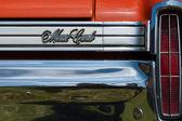 """Paaren Im Glien, Germania - 19 maggio: Auto di lusso dettaglio di personale Chevrolet Monte Carlo (bianco e nero), """"The oldtimer show"""" in Mafz, 19 maggio 2013 a Paaren im Glien, Germania — Foto Stock"""