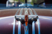 Hood ornament Full-size car Pontiac Star Chief — Stock Photo