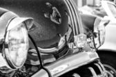 Detail Full-size car Pontiac Star Chief (black and white) — ストック写真