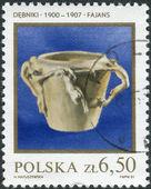 Postage stamp printed in Poland, shows ceramic vase in the Art Nouveau style by Jan Szczepkowski in Debniki — Stock Photo