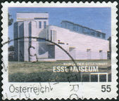 AUSTRIA - CIRCA 2007: Postage stamp printed in Austria, shows the Museum of Modern Art (Essl Museum Kunst der Gegenwart), circa 2007 — Stock Photo