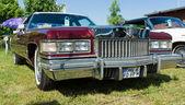 Full-size luxury car Cadillac Coupe de Ville — Stock Photo
