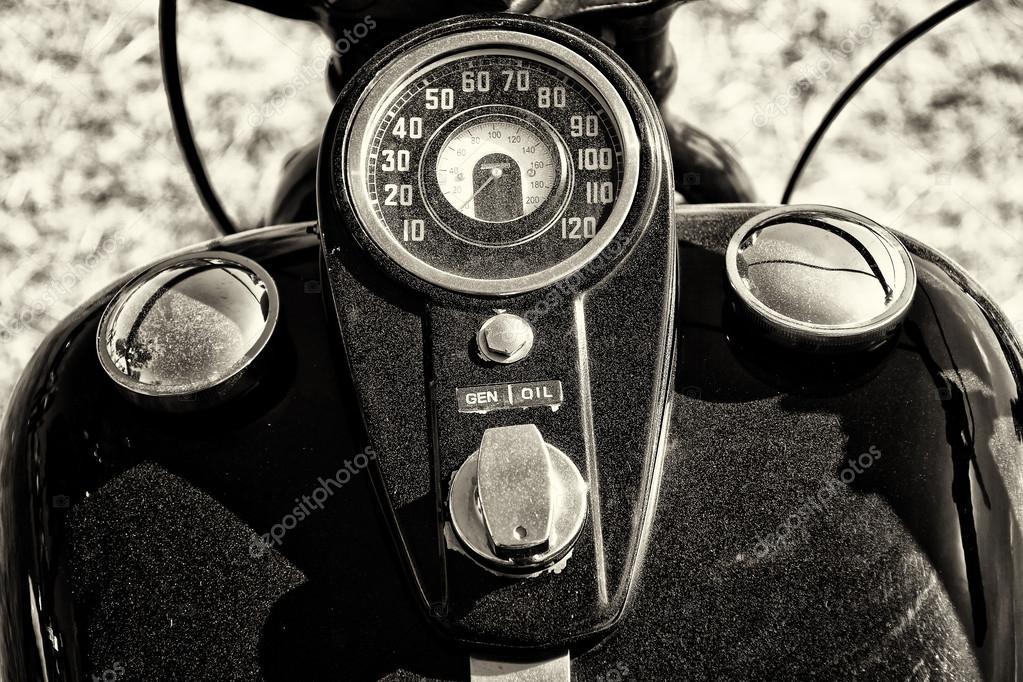Le tableau de bord et le r servoir de carburant moto - Tableau moto noir et blanc ...