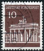 Postage stamp printed in Germany, shows Brandenburg Gate, Berlin — Stock Photo