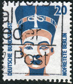 Postage stamp printed in Germany, shows Queen Nefertiti of Egypt, bust, Egyptian Museum, Berlin — Foto Stock