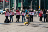 Protest activists Animal Protection Society of Berlin against the use of wild animals in the circus — Stock Photo